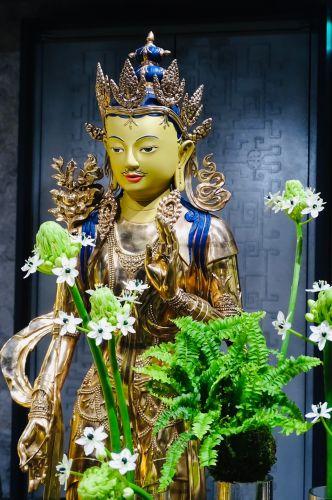 噶瑪噶居寺天香閣大勢至(金剛手)菩薩聖像。
