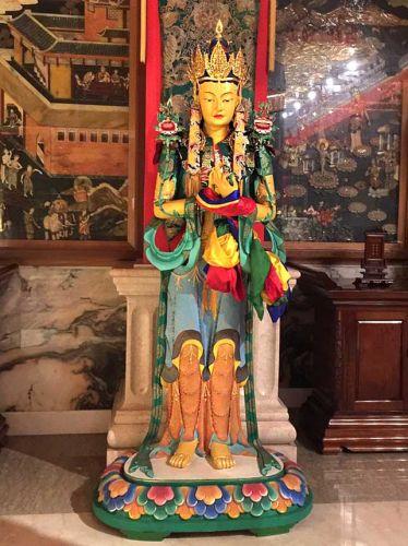 噶瑪噶居寺如來殿二樓文殊菩薩泥塑彩繪聖像