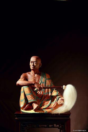 洛本木雕—噶瑪寺十六阿羅漢 第五尊 伐闍羅佛多尊者