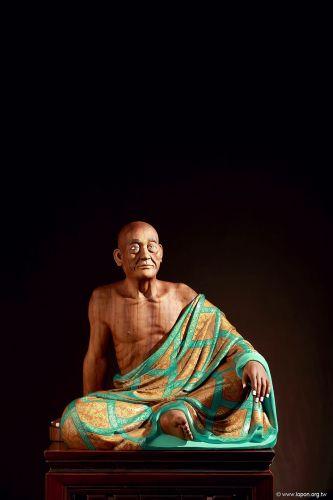 洛本木雕—噶瑪寺十六阿羅漢 第八尊迦 諾迦跋黎墮闍尊者
