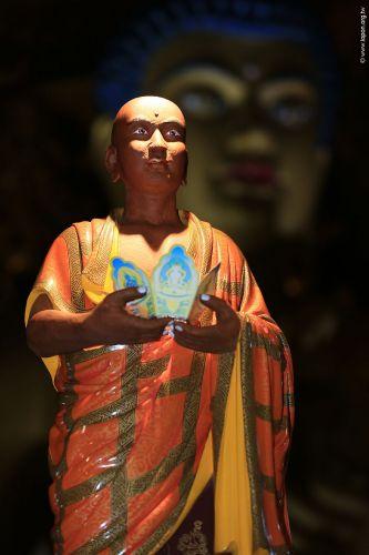 洛本木雕—噶瑪寺十六阿羅漢 第十尊 羅侯羅尊者