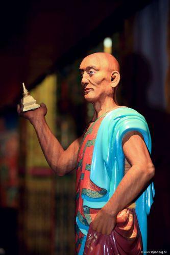 洛本木雕—噶瑪寺十六阿羅漢 第十六尊 戌博迦尊者
